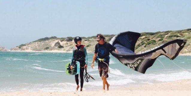 Extrados, intrados y sable, son partes de una cometa de kite surf