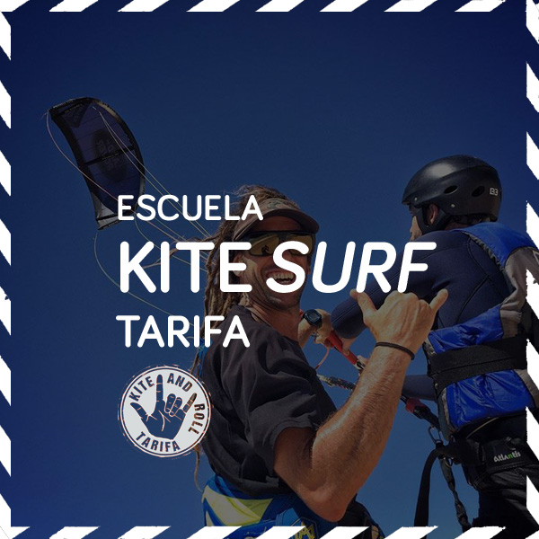 Instructor ense�ando kitesurf en la playa